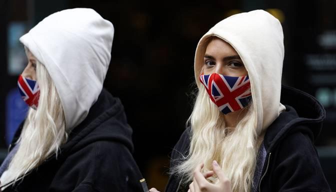Anglijas reģionos nosaka stingrākus Covid-19 krīzes ierobežojumus