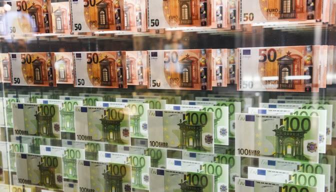 Deviņos mēnešos nodokļos nav iekasēti 573,7 miljoni eiro un deficīts veido 335,3 miljonus eiro