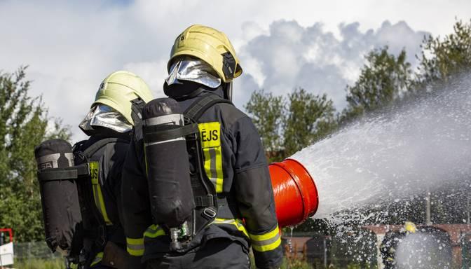 No ugunsgrēka Ventspilī izglābti seši cilvēki