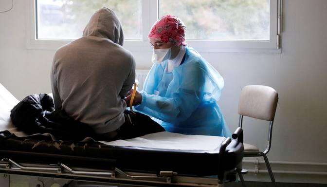 Covid-19: Francijā un Itālijā uzstādīti jauno saslimšanas gadījumu antirekordi