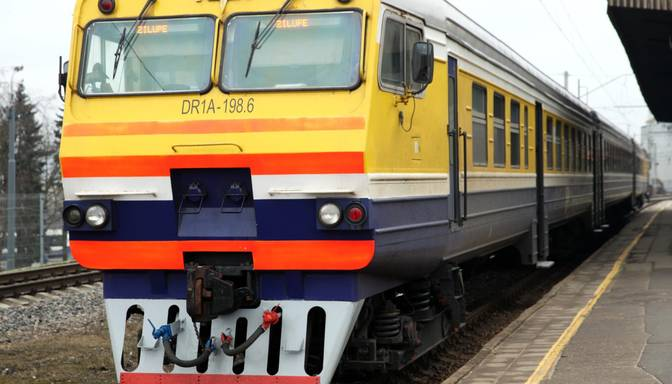 Kāds Covid-19 slimnieks 16. oktobrī braucis vilcienā Rīga-Zilupe; pasažierus aicina novērot savu veselības stāvokli