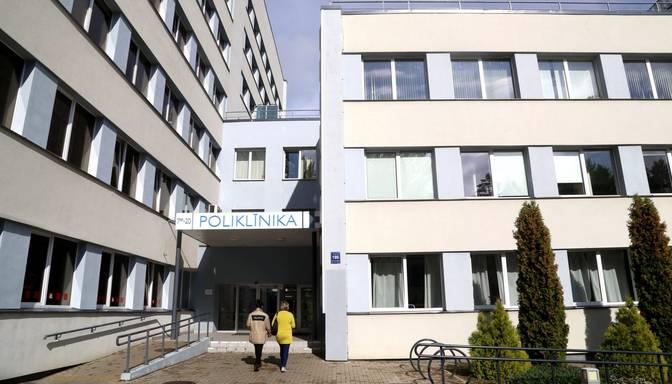Saslimstībai ar Covid-19 vēršoties plašumā, varētu ierobežot plānveida pakalpojumus slimnīcās