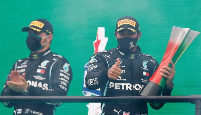 Hamiltons kļūst par uzvarām bagātāko F1 pilotu