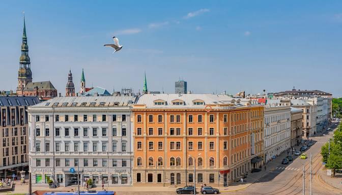 """Uz nenoteiktu laiku tiek slēgta vecākā Rīgas viesnīca – """"Metropole"""""""
