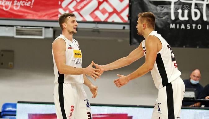 Laksa ar septiņiem punktiem spēles galotnē palīdz komandai izcīnīt uzvaru Polijas čempionāta spēlē