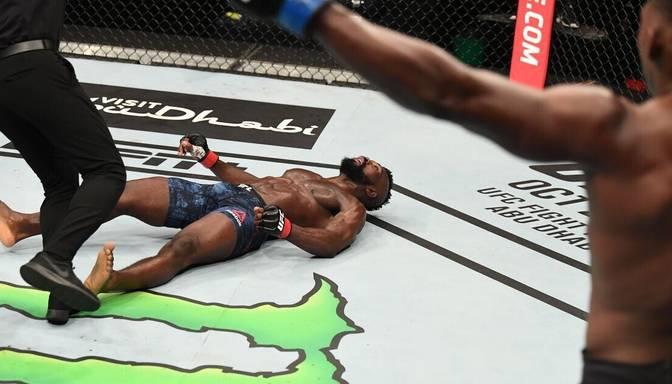 Ārprāts – Baklijs Cīņu salā izpilda neticamāko nokautu UFC vēsturē