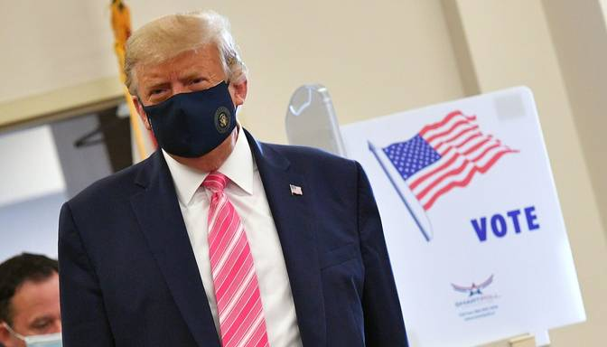 Tramps Floridā jau nobalsojis ASV prezidenta vēlēšanās