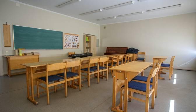 Mazo klašu skolēniem skolā būs jāievēro divu metru distance