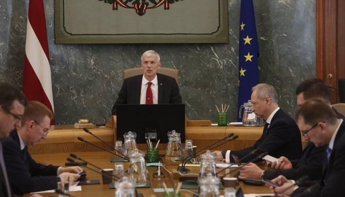 Aptauja: Decembrī Kariņa valdības darba vērtējums sasniedzis zemāko atzīmi 2020.gadā