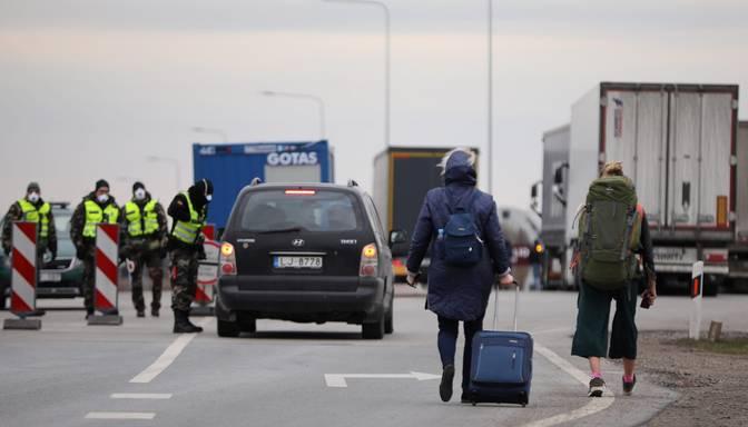 Policija uzraudzījusi 900 no epidemioloģiskās drošības pasākumiem vairījušos Covid-19 inficētos un kontaktpersonas