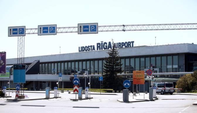 """Par """"aplokšņu algu"""" maksāšanu apsūdz uzņēmēju un bijušo Rīgas lidostas Drošības departamenta direktoru"""
