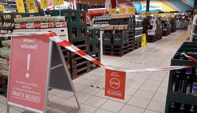 Pārtikas mazumtirgotāji asi iebilst pret jaunajām prasībām Covid-19 ierobežošanai pārtikas veikalos