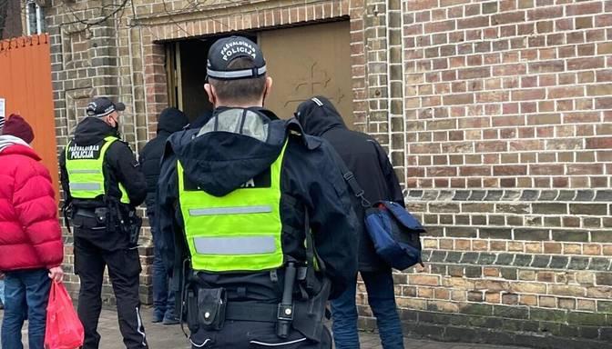 Arī šogad policistiem un robežsargiem par darbu Covid-19 laikā plāno piešķirt piemaksas