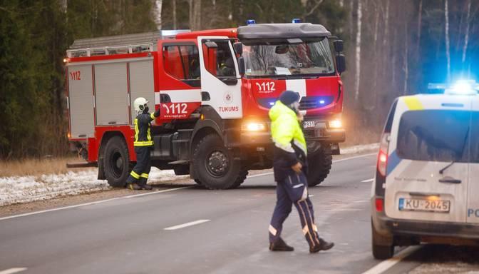 Traģēdija Sējas novadā: divu auto sadursmē viens cilvēks gājis bojā un divi cietuši