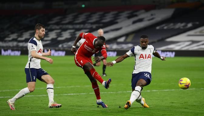 """""""Liverpool"""" plato neveiksmju joslu pārtrauc ar uzvaru pār Žuzē Mourinju un """"Tottenham Hotspur"""""""