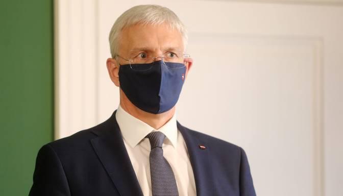 Kariņš aicina Valsts kontroli veikt pārbaudi par LM rīcību Covid-19 ierobežošanai sociālās aprūpes centros
