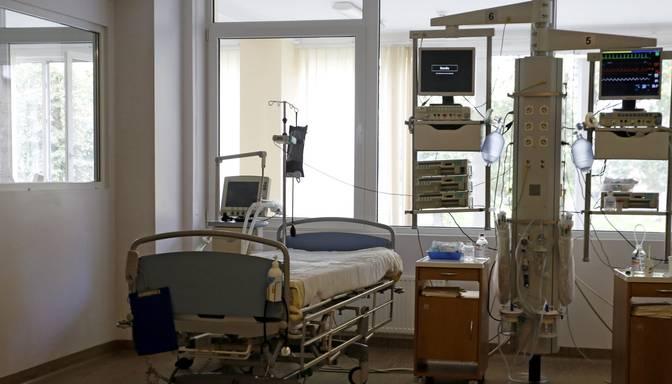 Piektdien slimnīcās ievietoto Covid-19 pacientu kopskaits samazinājies līdz 1032