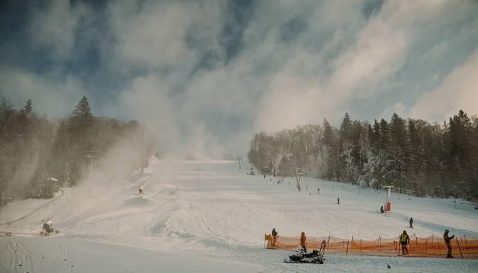 Trešdiena būs pēdējā aukstā diena šonedēļ; pūtīs ass vējš, un sāksies putenis