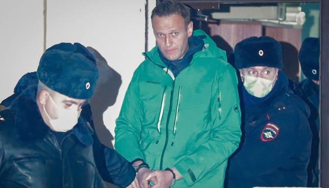 Kremlis plāno Navaļnijam piespriest ilgstošu cietumsodu