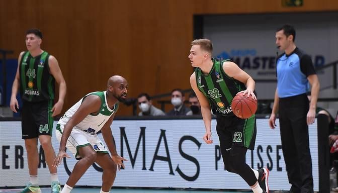 """Žagars palīdz """"Joventut"""" Eirokausa spēlē uzvarēt """"Nanterre"""" basketbolistus"""
