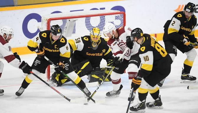 """Rīgas """"Dinamo"""" piecu spēļu izbraukumu sāk ar zaudējumu pret """"Severstal"""""""