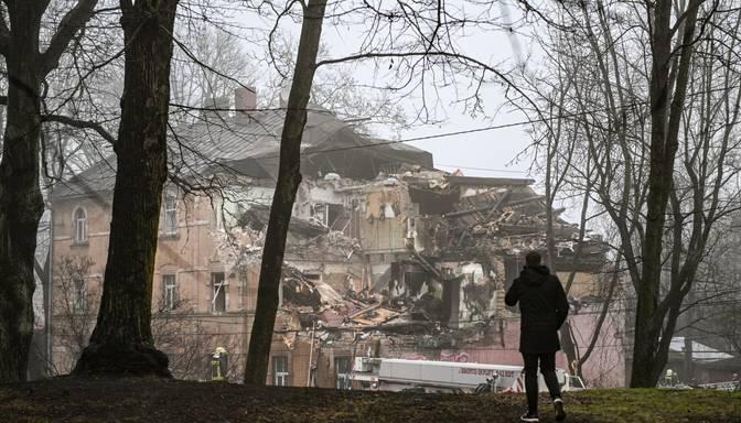 Sešām Āgenskalnā sprādzienā cietušās mājas ģimenēm piešķir 1000 eiro pabalstu
