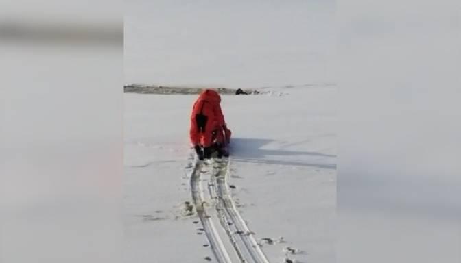 Par mata tiesu no nāves izglābjas kāds ledū ielūzis slēpotājs Lielvārdē