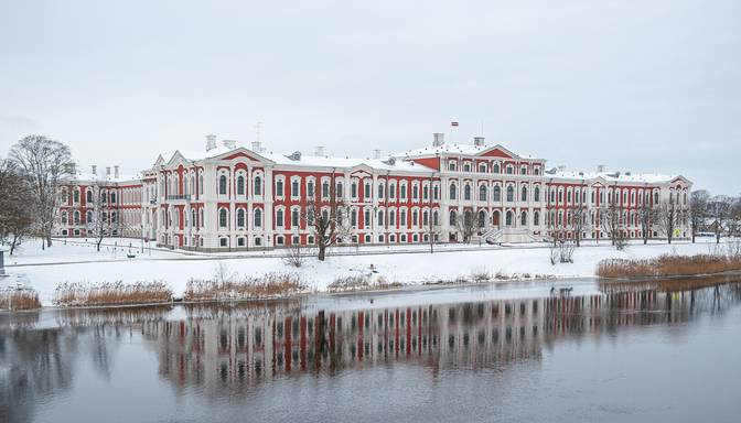 Vērienīgi atjaunota Jelgavas pils