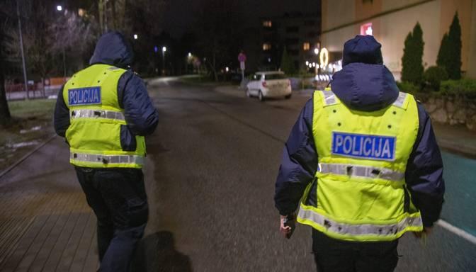 Valsts policija par komandantstundas neievērošanu vairākkārt piemērojusi 2000 eiro sodu
