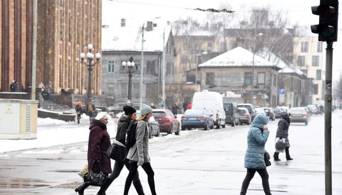 Pētījums: Vairumam latviešu un krievu vienam pret otru negatīvu jūtu nav
