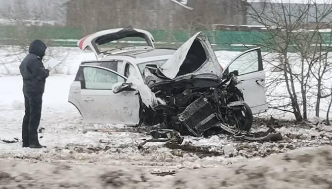 Pakaļdzīšanās trilleris Pierīgā: Covid-19 slimnieks izbēg no patversmes, nozog auto un izraisa smagu avāriju