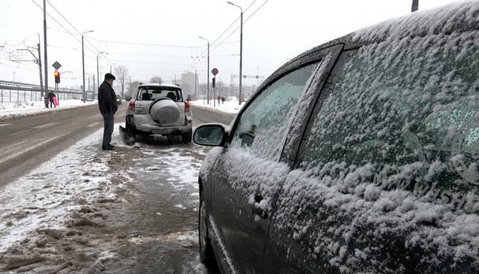 Rosina atļaut Apvienotajā Karalistē izdotas autovadītāju tiesības izmantot Latvijā bez laika ierobežojuma