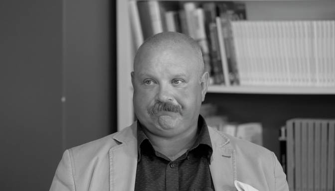 Pēc cīņas ar Covid-19 mūžībā devies Stradiņa slimnīcas ārsts infektologs Pauls Aldiņš