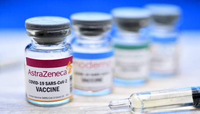 Lielbritānijā pirmo Covid-19 vakcīnas devu līdz šim saņēmuši 12 miljoni iedzīvotāju