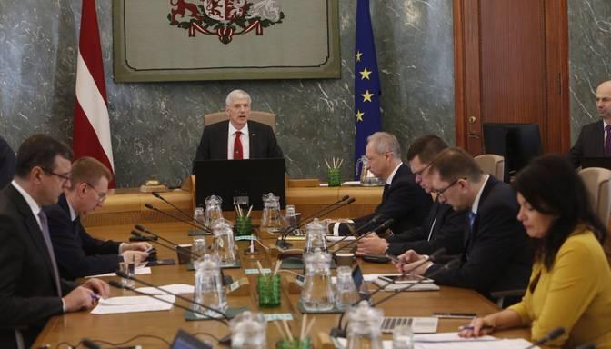 Pēc ministru vakcinēšanas pret Covid-19 valdības sēdes atkal varētu notikt klātienē