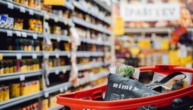 """""""Rimi"""" pilotprojektā sācis beziepakojuma tirdzniecību Latvijā ražotiem saimniecības produktiem"""