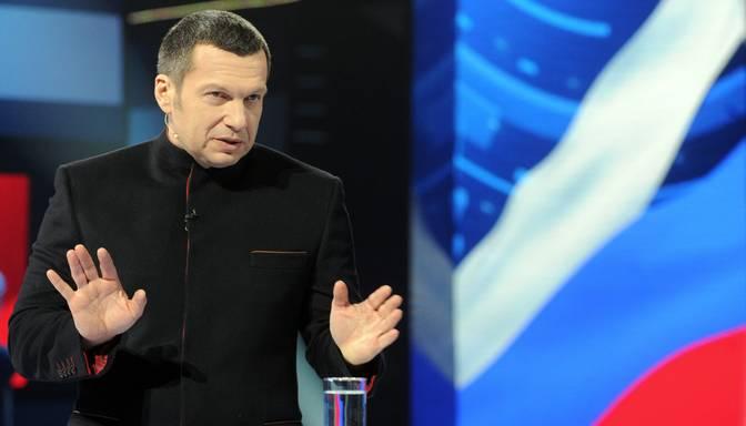Latvijai nevēlamo personu sarakstā iekļauj Krievijas TV raidījumu vadītāju Solovjovu