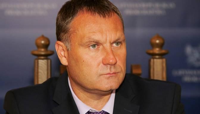 """Ģenerālprokurors kritizē IDB darbu un KNAB pārmet """"šovu organizēšanu"""""""