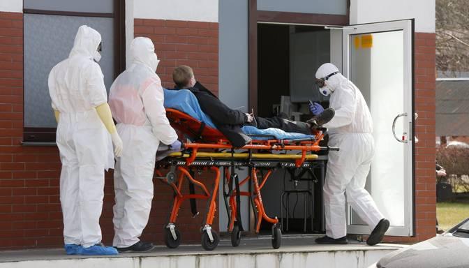 Covid-19: palielinājies slimnīcās esošo pacientu skaits