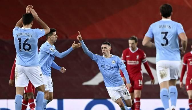 """""""Manchester City"""" ātrvilciens pārbrauc pāri """"Liverpool"""" un traucas pretī titulam"""