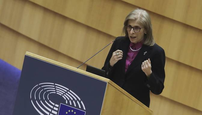 Komisāre: Vakcīnu variantiem pret koronavīrusa mutācijām ES būs saīsināts apstiprināšanas process