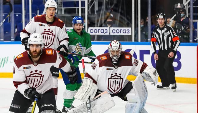 """Rīgas """"Dinamo"""" izcīna punktu pret KHL grandiem, """"bullīšos"""" uzvaru svin """"Salavat Yulaev"""""""