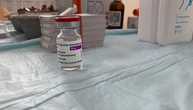 Piektdien vakcinēšanas pret Covid-19 temps Latvijā turpinājis samazināties