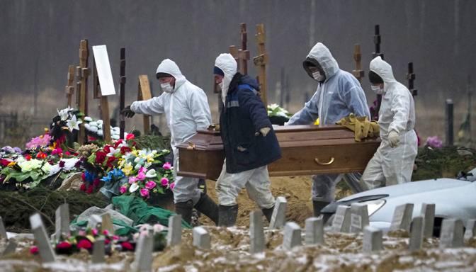 Krievijā pērn mirstība pieaugusi par 17,9%