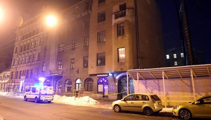 Būvvalde apturējusi saplaisājušās Ģertrūdes ielas dzīvojamās mājas ekspluatāciju