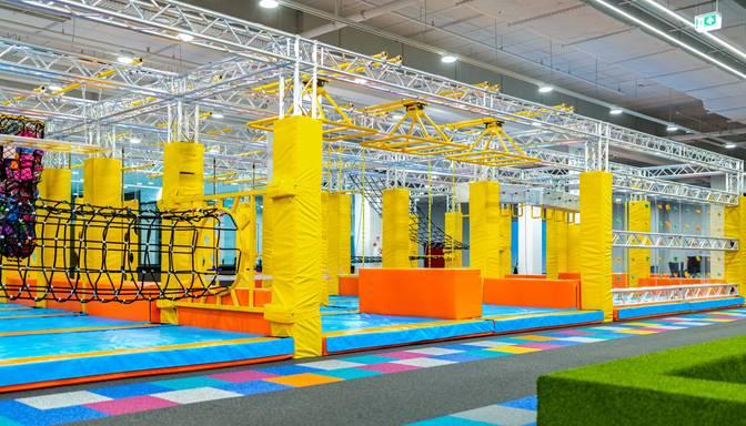"""Tirdzniecības centrā """"Olimpia"""" aprīlī tiks atvērts ģimenes atrakciju parks"""