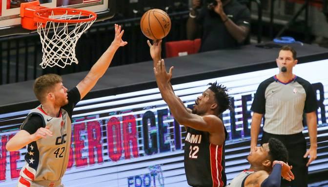 """Maiami """"Heat"""" revanšējas Bertāna """"Wizards"""" par ceturtdienas zaudējumu"""