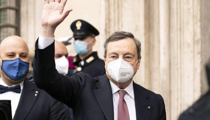 Mario Dragi nodevis Itālijas premjera amata zvērestu