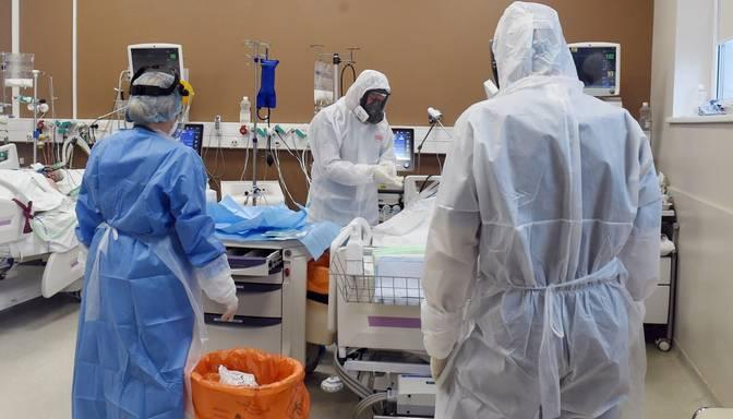 Covid-19: pagājušajā diennaktī Latvijā stacionēts 91 pacients