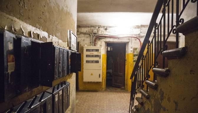 Policija uz aizdomu pamata par psihotropo vielu realizāciju aizturējusi vīrieti Liepājā